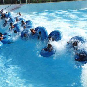 Πισίνα με κύματα