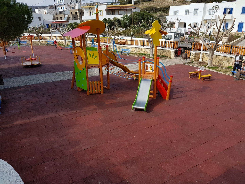 Εγκατάσταση παιδικής χαράς στους Λειψούς